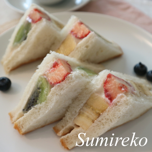 fruits sandwich.jpg